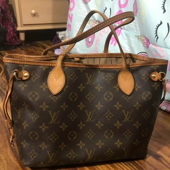 Louis Vuitton Handbags - Louis vuitton handbag neverfull pm d6b78349ce7